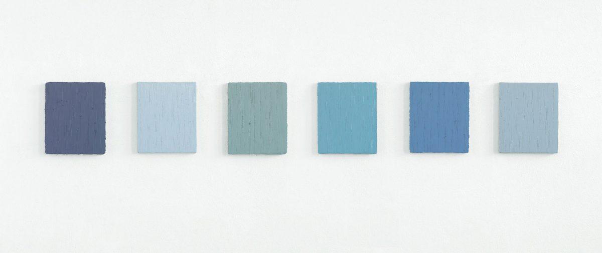 """mo-no-chrom"" 2010, 6 x Öl auf Leinwand, je 30 x 25 cm"