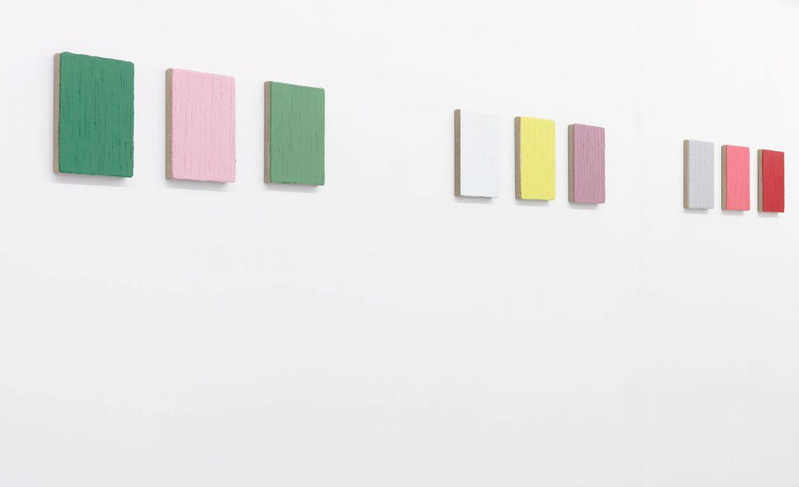 Seitenansicht links: 9 x Öl auf Leinwand, 2006-2008, je 30 x 25 cm